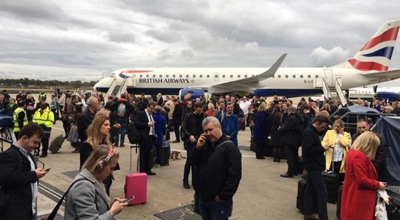"""伦敦机场发生不明""""化学事故"""" 乘客紧急疏散"""