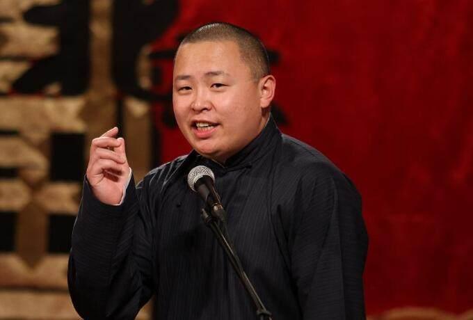 阎鹤祥曾与郭德纲之子郭麒麟搭档登上《欢乐喜剧人第三季》的舞台
