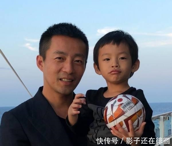 汪小菲儿子正面照曝光:都说儿子像妈,可在他这怎么就不准了呢?
