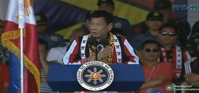 菲总统:中国是邻居朋友 期待建立更紧密关系