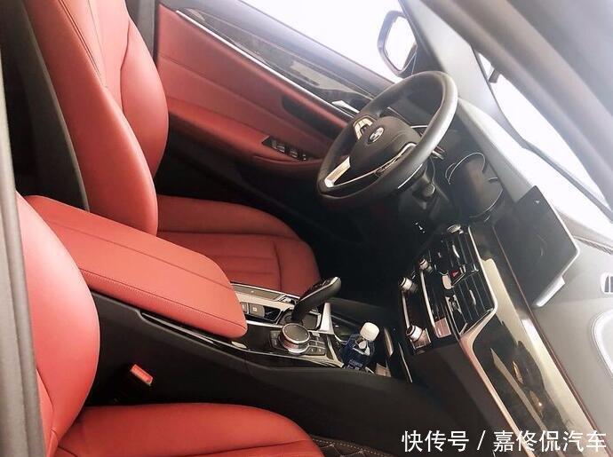 安徽美女提宝马530, 表示: 终于知道坐奔驰开宝