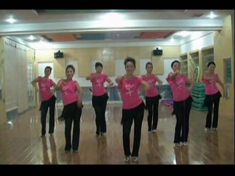 【印度美女广场舞背面】广场舞印度美女