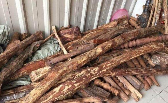 老人买下一根细长的木头,将其切割后,老板气坏!