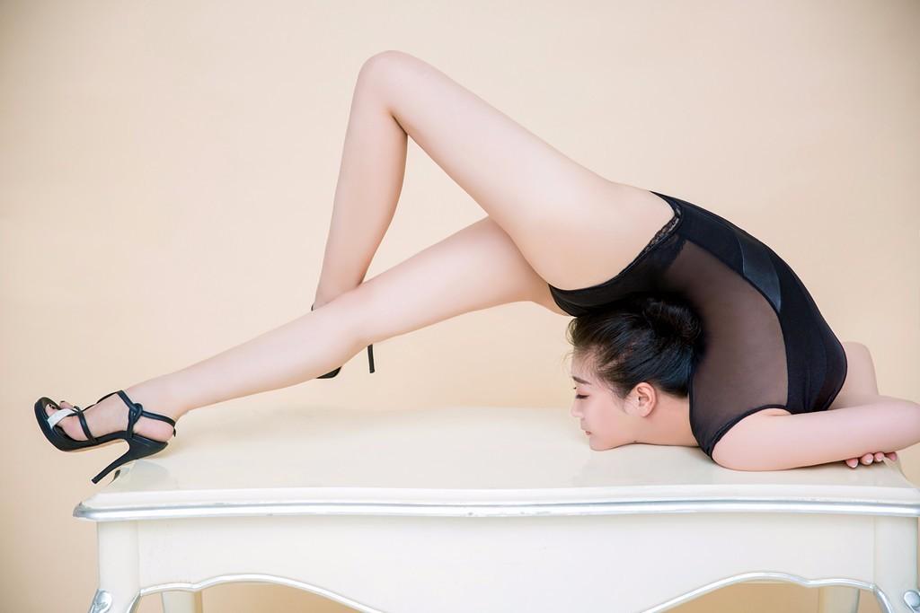 美女展柔韧 - h_x_y_123456的日志 - 网易博客 - jlslnsh2014 - jlslnsh2014的博客