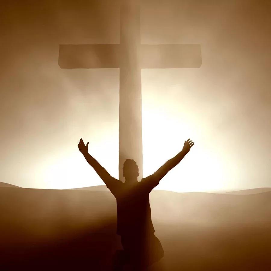 感谢上帝,耶稣被钉十字架,是为我们的罪,也是神的爱的表现!