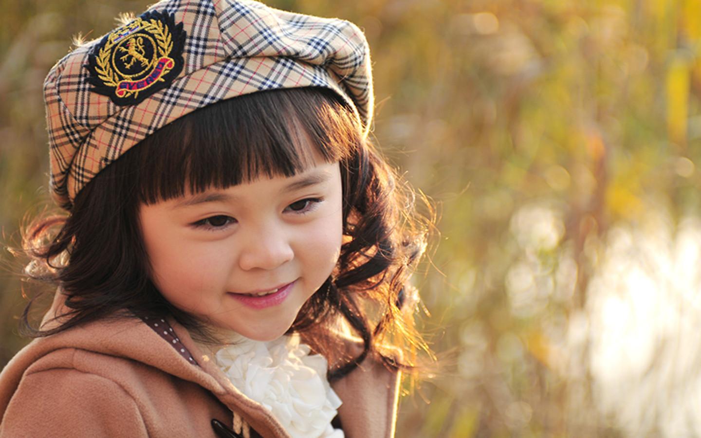 2011年12月儿童服装哈姆雷特品牌走秀模特; 2012年1月浙江宝宝贝贝