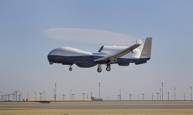 伊朗击落美国无人机确实是个问题!暴露了美军的弱点?