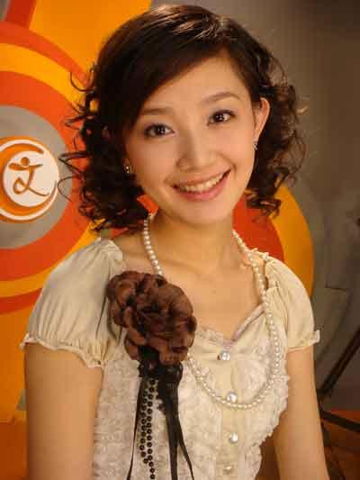 刘婧/现为北京电视台 《每日文娱播报》节目主持