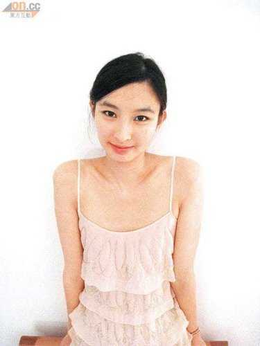 张舒雅生活照(7张)年龄:26