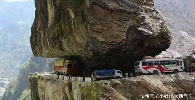 印度最危险公路,这才是名副其实的天路,稍有不慎就一步升天了