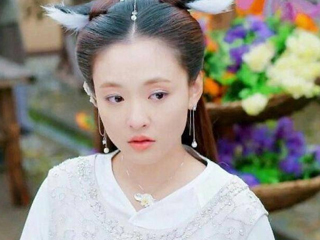 """杨幂满头珠子和亮片,李沁戴着""""金树枝"""",而刘诗诗比杨幂还美!"""