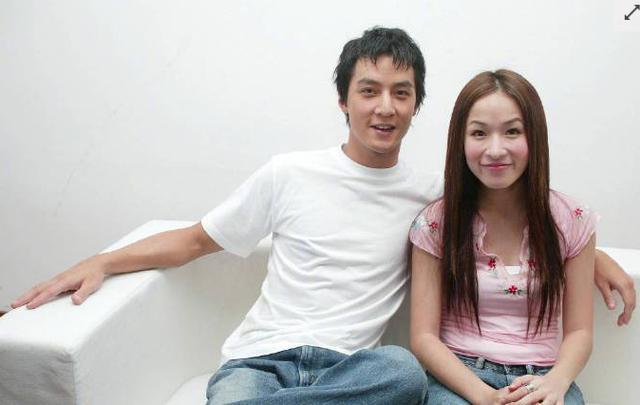吴彦祖萧亚轩2002年旧照曝光,两个人显得有些