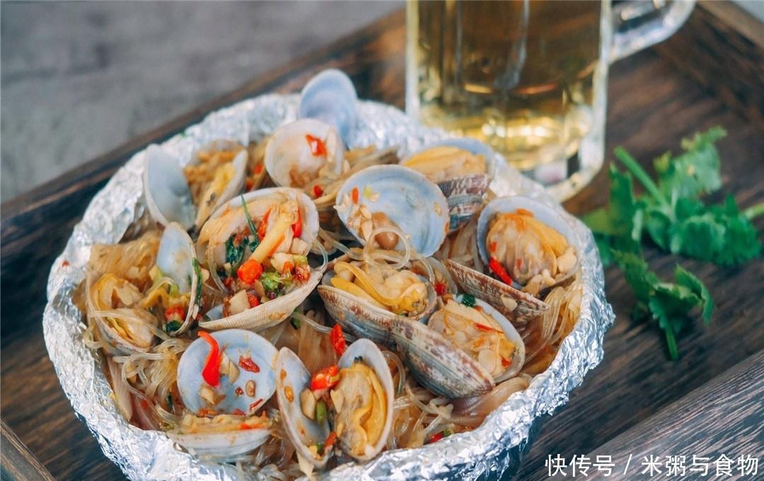 江苏美食:锡纸花甲粉丝的家常做法,1个蒸锅2张锡纸,滋阴明目老少皆宜