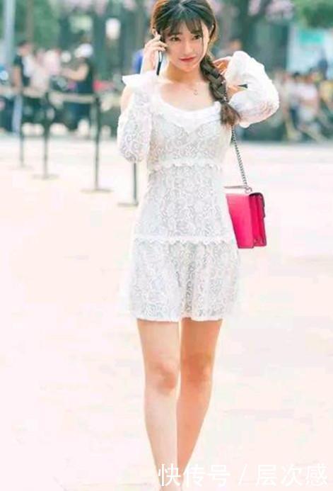 街拍:秋水伊人的美女,一条白色的连衣裙,优雅女人味十足